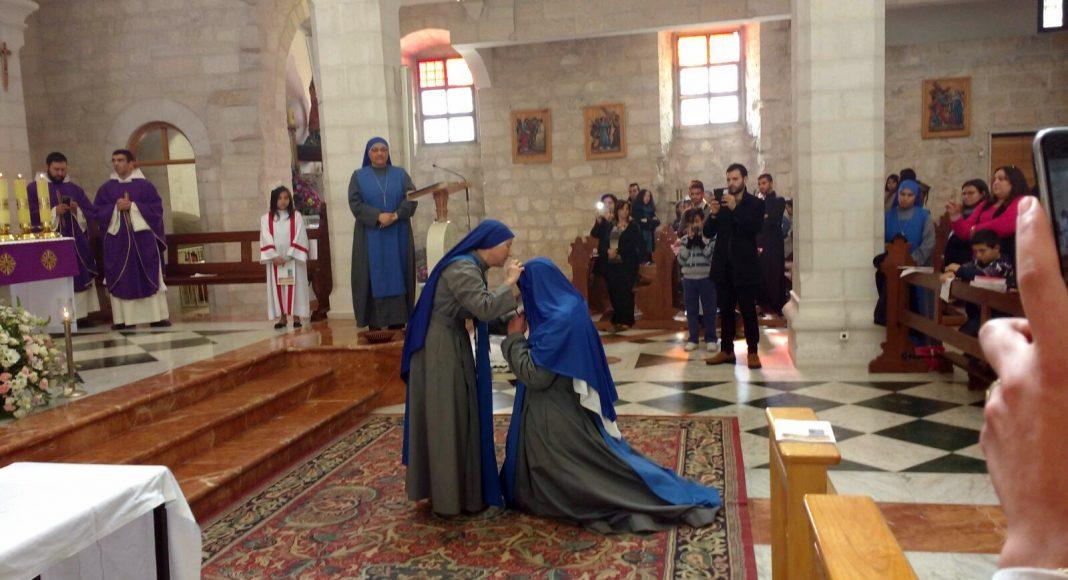 Vivimos un gran día en Belén…Primeros votos de la hermana Mariam Majdooleen del Niño Jesús