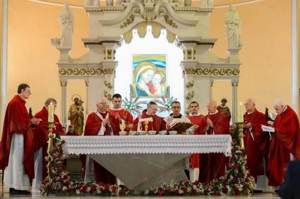 SSVM Albania - ¡Viva Cristo Rey! ¡Viva la Santa Iglesia Católica!