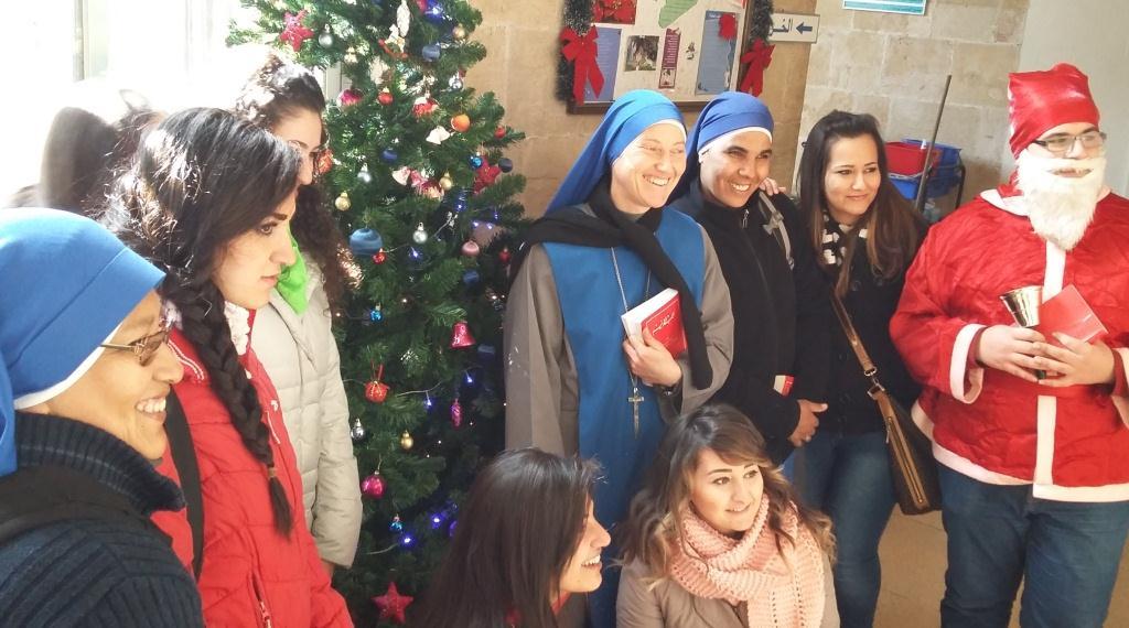 Las Servidoras en Siria - visitar el hospital cristiano