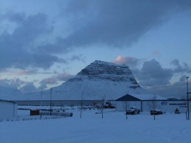 Servidoras del Señor y de la Virgen de Matará (SSVM) y IVE misión en Islandia, Jornadas de los jóvenes